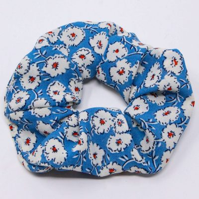Chouchou robe bleue à fleurs blanches Bérénice upcycling