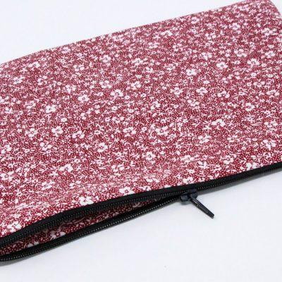 Pochette zippée maxi nappe rouge Bérénice upcycling ouverte